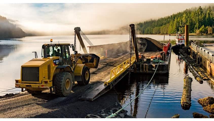 Colas acquires major road construction player in Canada , Carayon