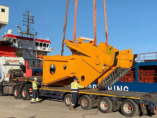 Delivering the World's Largest Crane